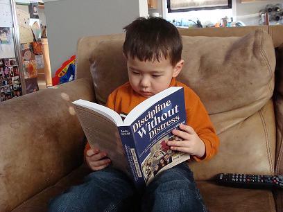 child-read-dwd-book